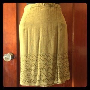 🔹2 for $85🔹 Vintage embroidered wrap skirt